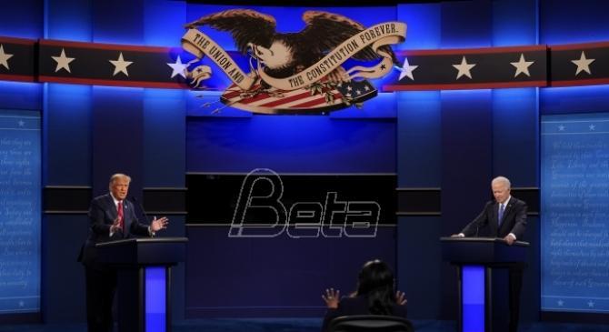 Oštro, ali pristojno sučeljavanje Trampa i Bajdena u poslednjoj debati (VIDEO)