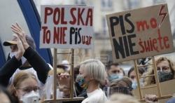 Predsednik Poljske i prva dama izrazili razumevanje za proteste Poljakinja povodom zabrane abortusa