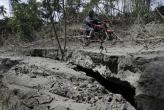 Vulkan na Filipinima kašlje, tlo puca, ljudi beže