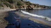 Popravlja se situacija s mazutom na plažama Atine