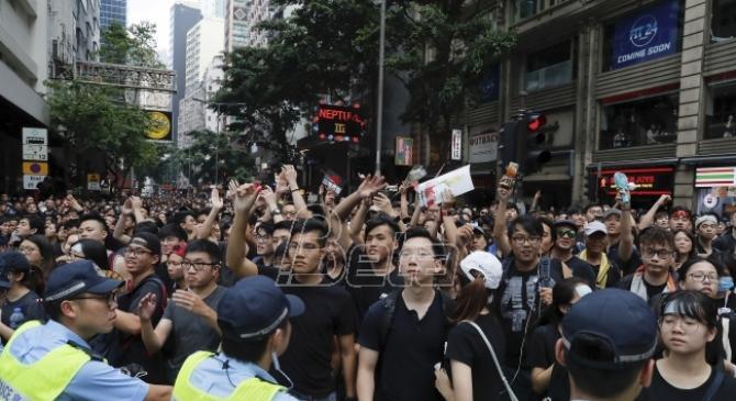 Vlada Hongkonga izvinila se gradjanima zbog spornog zakona