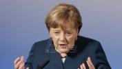 Merkel za oprez jer ima lažnih vesti