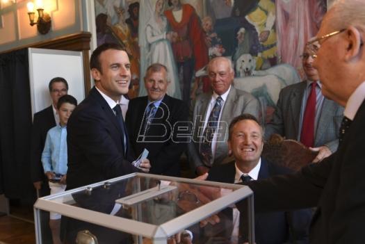 Makronova stranka pobednik na parlamentarnim izborima