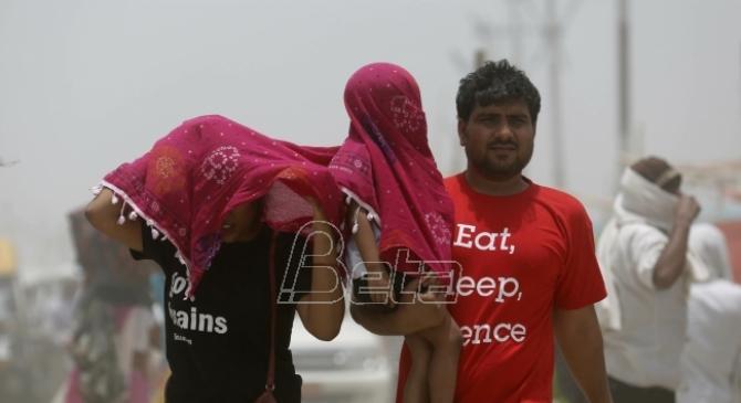 U Indiji 49 mrtvih od ekstremne vrućine u poslednja 24 sata