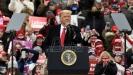 Tramp obećava povratak u normalu, Bajden upozorava na teške dane zbog pandemije