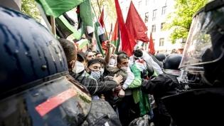 Na propalestinskim protestima u Berlinu uhapšeno 59 osoba, 93 policajca povredjena