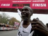 Kipčoge - prvi čovek koji je istrčao maraton za manje od dva sata (VIDEO)