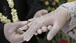Zbog epidemioloških mera švedsko-norveški par se venčao na granici