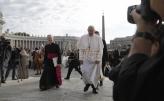 Papa upozorio direktore kompanija da veštačku inteligenciju koriste za opšte dobro