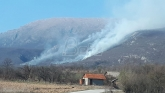 Požar na Suvoj planini, trenutno nema ugroženih