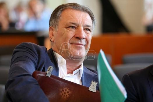Ranjen Zdravko Mamić
