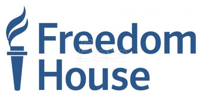 Fridom haus: Omogućiti novinarima da rade bez straha od hapšenja