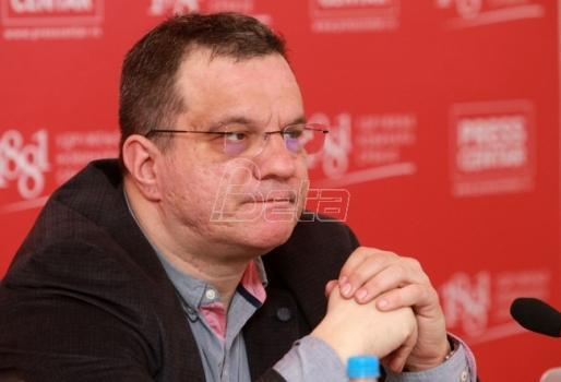Nikolićeva kandidatura nož u ledja Vučiću