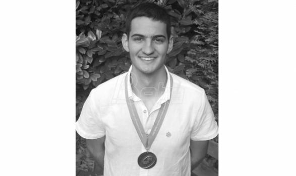 Sutra sahrana jednog od najboljih mladih fizičara Mihajla Sporića