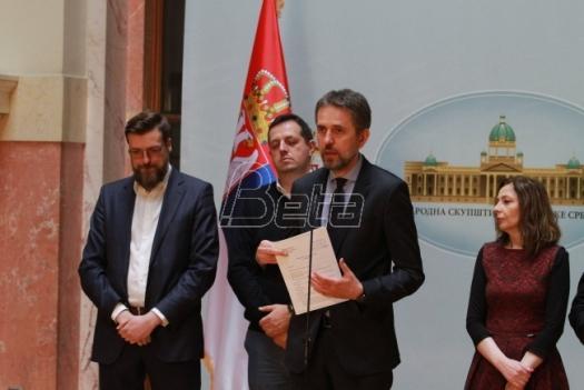 DJB: Tragično je što svi u društvu ćute na suspenziju demokratije u Srbiji