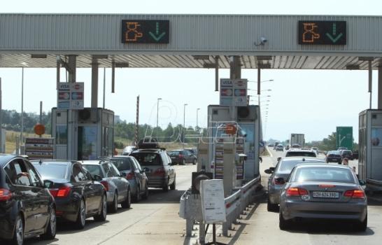 AMSS: Saobraćaj bez prekida, očekuje se pojačan saobraćaj ka većim gradovima