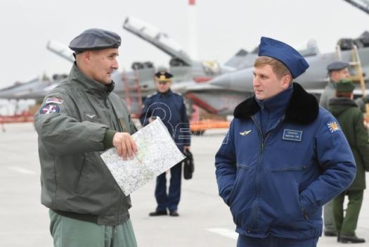 Ruska vojna štampa kritikuje mali nalet srpskih pilota lovaca