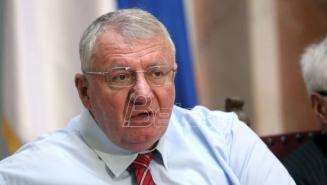 Radikali traže da Vlada Srbije finansira štampanje sabranih dela Petera Hadkea