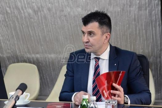 Sastanak u Ministarstvu odbrane: Da vojnici više ne šišaju travu