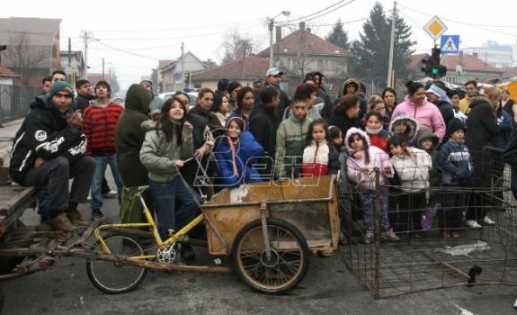 Romska deca upisuju se u predškolsko, ali neredovno idu u školu