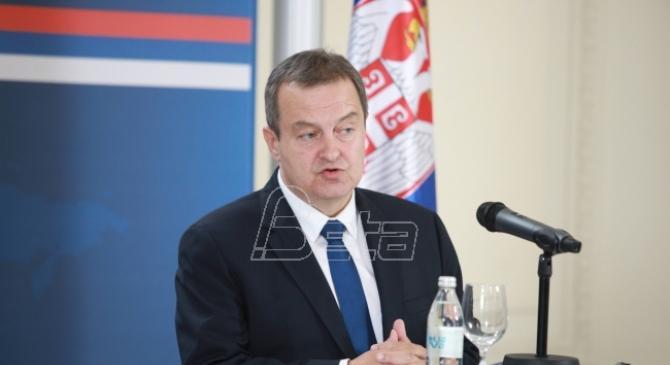 Dačić: Odluke o otvorenim granicama za državljane Srbije menjaju se iz dana u dan
