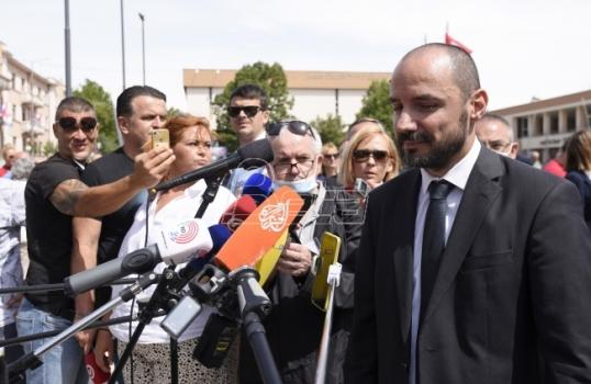Lunić: Vlast iz Beograda želi da kontroliše sve pripadnike srpskog naroda
