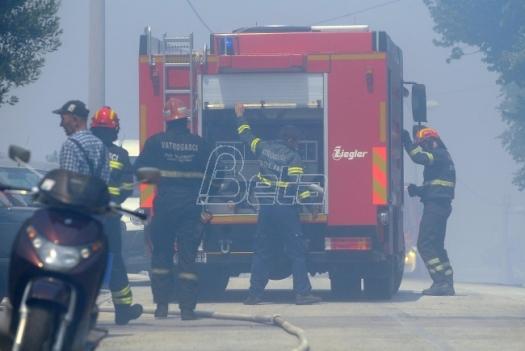 Ugašen požar uz rafinerijsku prugu u Pančevu