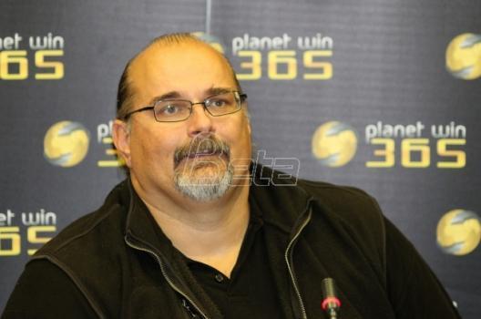 Aleksandar Džikić: Borimo se na terenu i želimo pobedu, ali momci na tribinama se očigledno vole