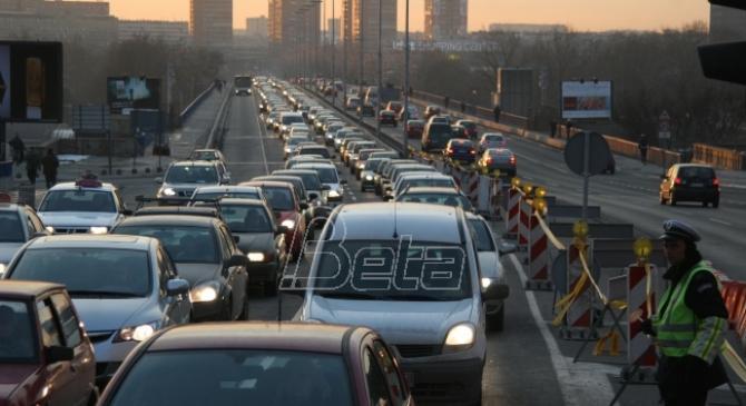 Eksperti: Država subvencioniše kupovinu hibridnih vozila umesto da reši uzroke zagadjenja