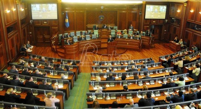 Kosovski mediji: Prekinuto brojanje glasova iz Srbije, navodno zbog otrovanih koverti. Rakić: Započeta kradja glasova
