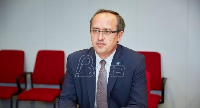 Kosovski premijer Hoti sutra u Parizu sa predsednikom Francuske Makronom