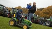 Protest holandskih poljoprivrednika zbog mera za smanjenje emisija ugljenika i azota