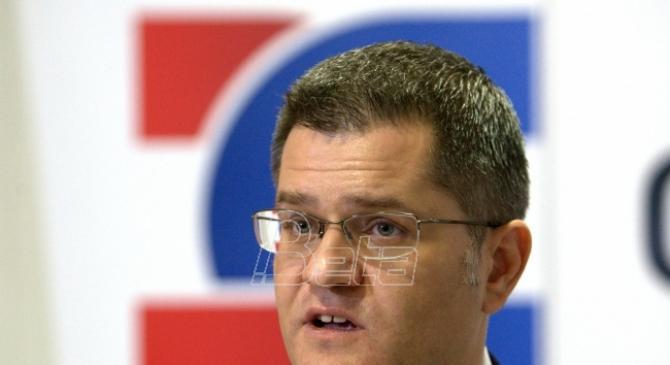 Jeremić: Vučić da odgovori zašto članovi porodice ministara trguju oružjem