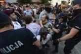 Na protestima u Varšavi policija uhapsila 48 LGBT aktivista