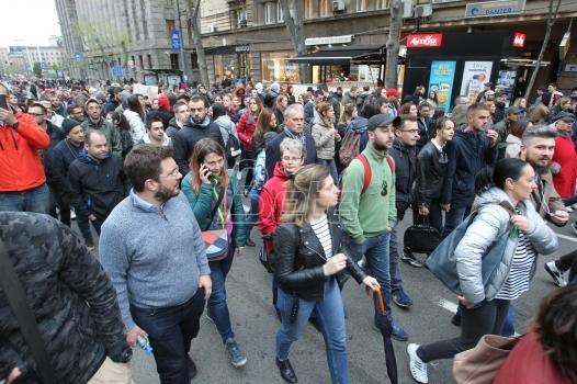 Protest protiv diktature u podne u Beogradu