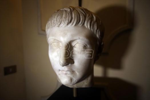 Italija izložila mermernu rimsku glavu ukradenu tokom Drugog svetskog rata