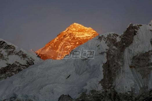 Planinari koji idu na Everest nosiće GPS