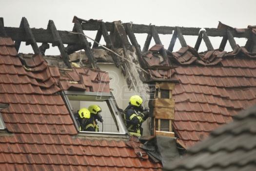 Troje poginulo u padu aviona u Nemačkoj