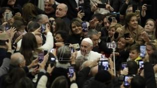 Papa odao priznanje ribarima koji čiste more