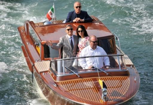 Kluni najavio tužbu protiv francuskog časopisa zbog fotografija blizanaca