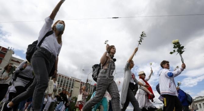 Ljudski lanci širom Minska protiv represije (VIDEO)