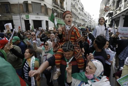 U Alžiru skup povodom prve godišnjice protesta protiv vlasti
