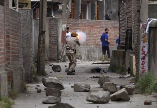 U razmeni vatre u Kašmiru poginule dve osobe