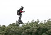 Leteći čovek u drugom pokušaju prešao Lamanš svojom napravom