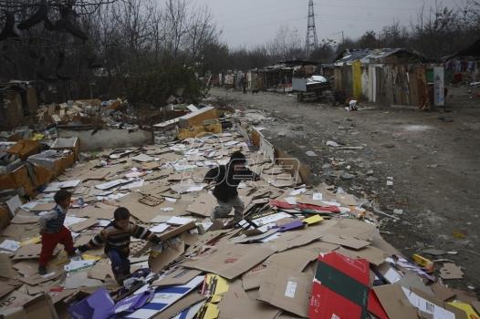 Sutra u Kruševcu protest protiv izgradnje zida oko romskog naselja